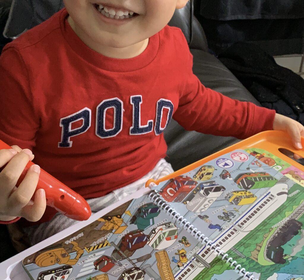 2歳男の子にお勧めなアンパンマンおしゃべりいっぱい言葉図鑑